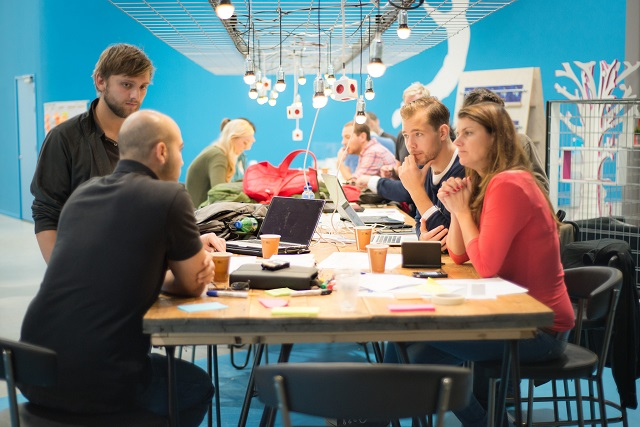 Business incubators: which supporting activities create value for startups?