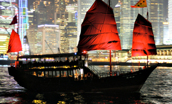 junk-boat-hong-kong