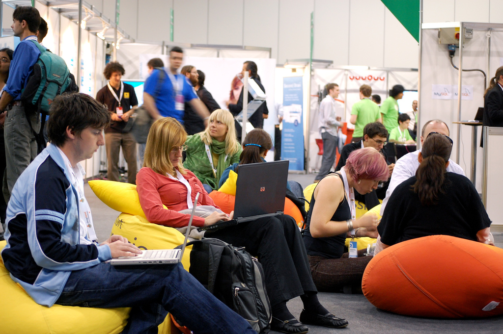 Dutch startup news update: beanbag clashes, more VC and talented youngsters