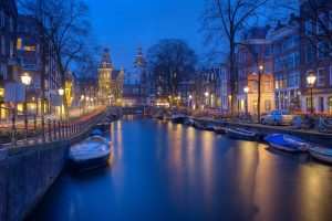 How to move your startup to Amsterdam (infographic)